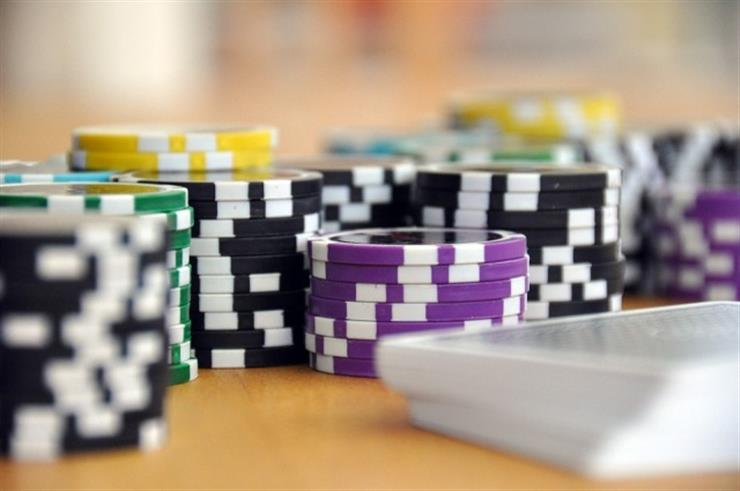 Why Are Online Casinos a Much Better Option Than Land-Based Casinos