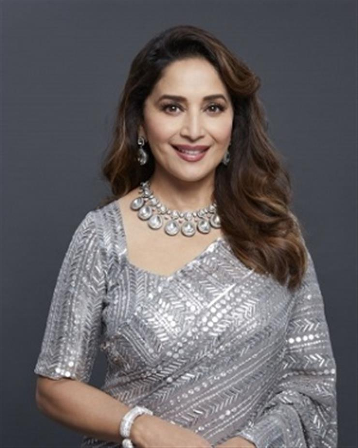 B-Town wishes pour in on Madhuri Dixit's birthday