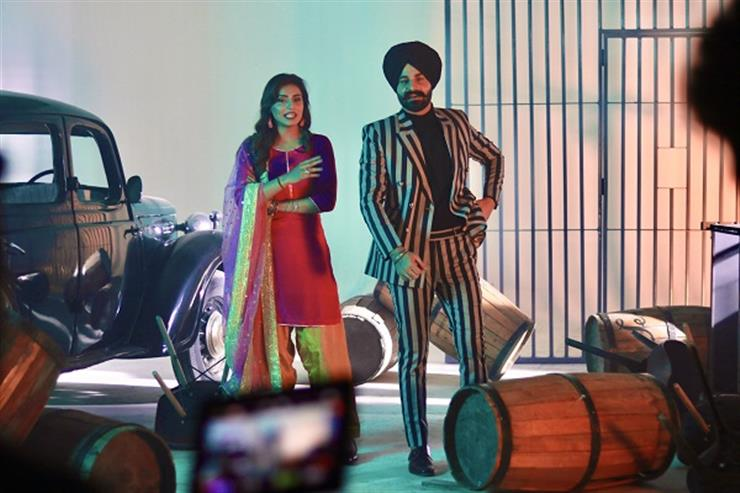 Jagmeet Brar released his new song 25 Pind sung along with Punjab's Music Sensation Gurlej Akhtar