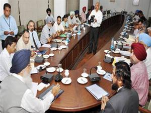 <p>Badal presiding over a meeting with senior officers<br />To explore the possibilities Olive cultivation in the state at Chief Minister Office on 18-9-2012 this morning</p>